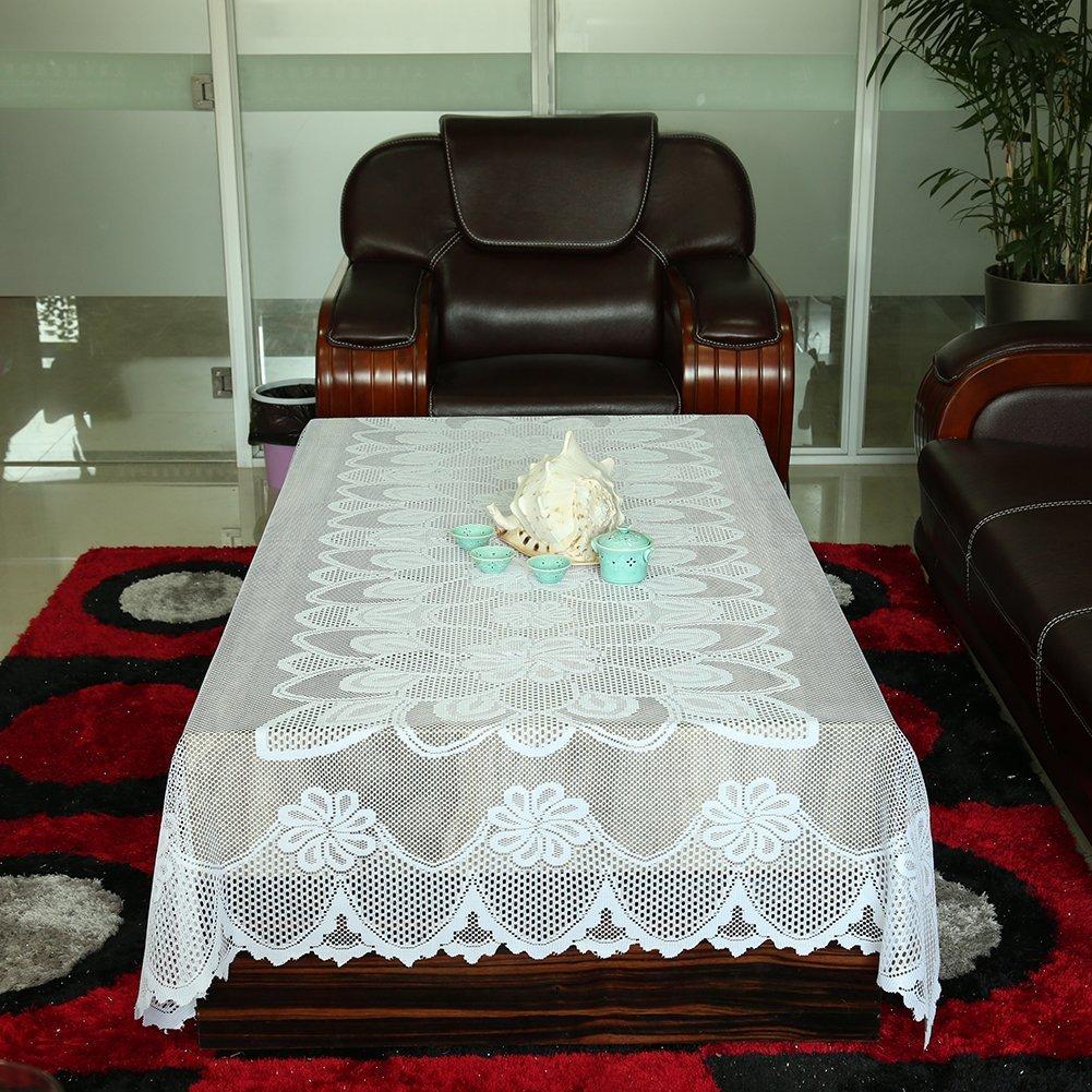 Классическая белая скатерть для стола